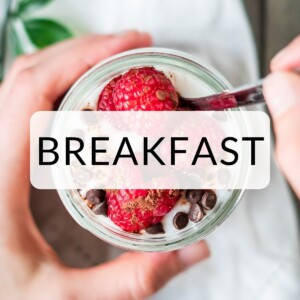 """Mocha Chia Pudding recipe with """"Breakfast"""" text overlay."""